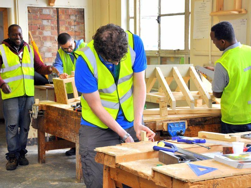Quelles sont les études nécessaires pour devenir charpentier ?