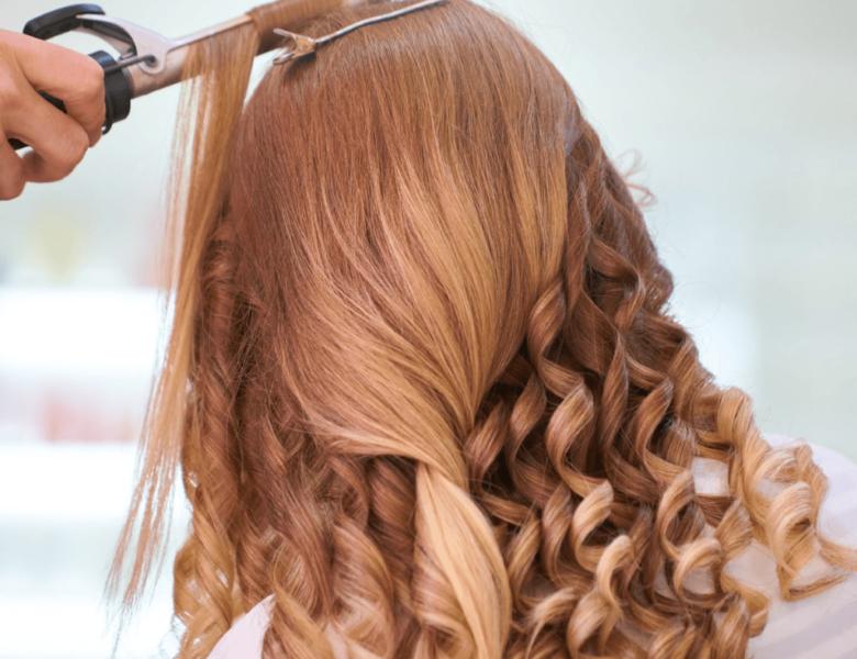 6 tendances en matière de couleurs pour une coiffure de vacances amusante